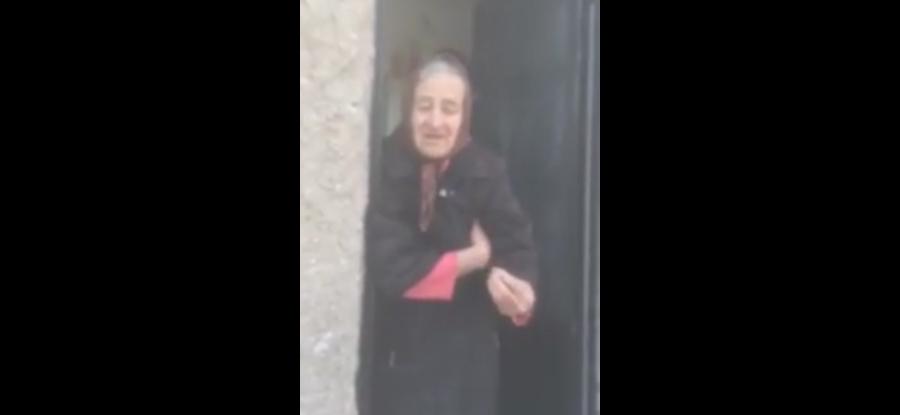 Η Ελληνίδα γιαγιά που έγινε viral...Απολαύστε την!