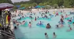 Ήρωας ναυαγοσώστης σώζει 3χρονο που πνίγεται! Εσείς θα βλέπατε το θύμα; (Βίντεο)