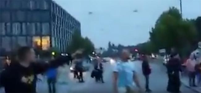 «Θα σας εξολοθρέψουμε όλους» και «Allahu Akbar» εναντίον των Γερμανών που πήγαν να ανάψουν ένα κεράκι (Βίντεο)