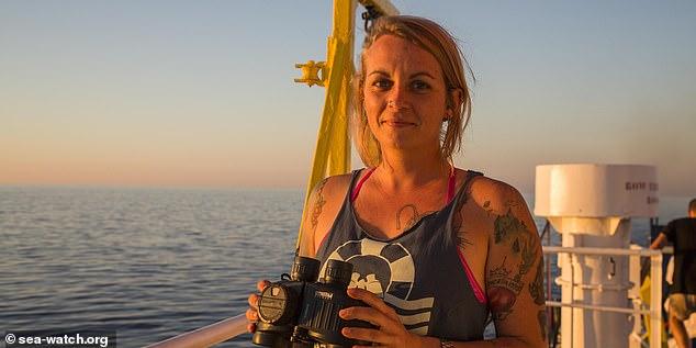 25χρονη Γερμανίδα Καπετάνιος αντιμετωπίζει 20ετη φυλάκιση στην Ιταλία επειδή έσωσε πάνω από 1000 λαθρομετανάστες στο Αιγαίο