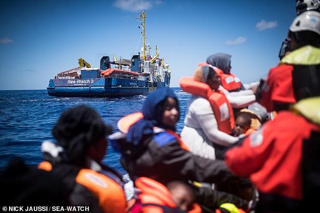 Λαθρομετανάστες στην Ιταλία #4